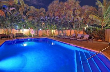 comfort-suites-fort-lauderdale-airport-cruise-port-hotel-pool