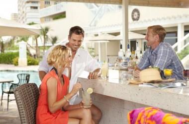 Marriott Harbor Beach Resort & Spa oceanfront pool bar and grill