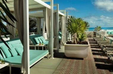 Westin Beach Resort, Fort Lauderdale oceanfront pool deck