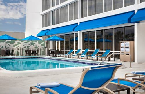 Courtyard Marriott Fort Lauderdale pool
