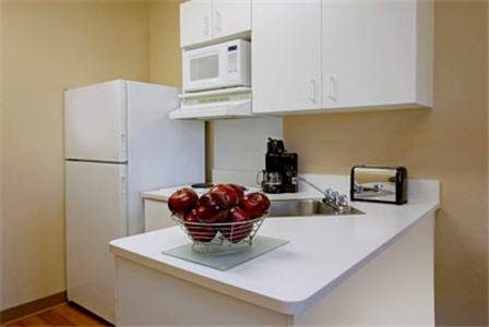 Extended Stay Fort Lauderdale Convention Ctr-Cruise Port kitchen