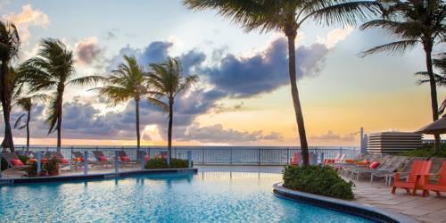 Pelican Grand Pure Spa Resort pool