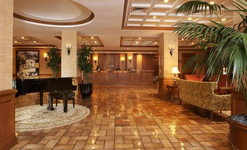 Riverside Hotel lobby