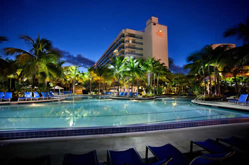 Crowne-Plaza-Hollywood-Beach-Resort-Hotel-pool