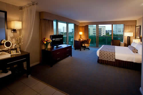 Crowne-Plaza-Hollywood-Beach-Resort-Hotel-room-4