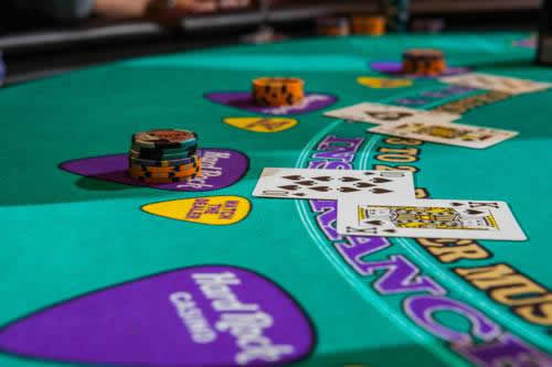Hard-Rock-Hotel-Casino-Hollywood-pool-casino