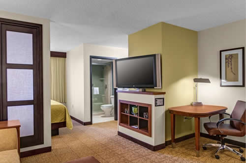 Hyatt-Place-17th-St-room-4