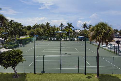 bahia-mar-fort-lauderdale-beach-doubletree-hilton-tennis