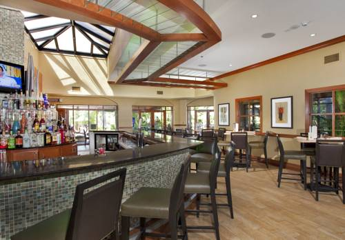 embassy-suites-hotel-ft-lauderdale-17-street-bar
