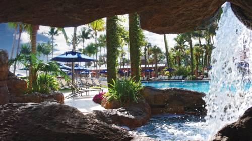 fort-lauderdale-marriott-harbor-beach-resort-spa-pool-2