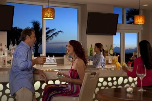 fort-lauderdale-marriott-pompano-beach-resort-spa-bar-grill