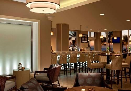 fort-lauderdale-marriott-pompano-beach-resort-spa-bar-restaurant