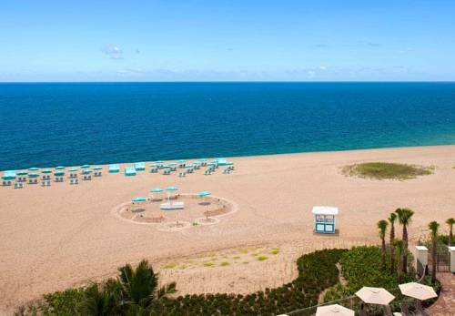 fort-lauderdale-marriott-pompano-beach-resort-spa-beach