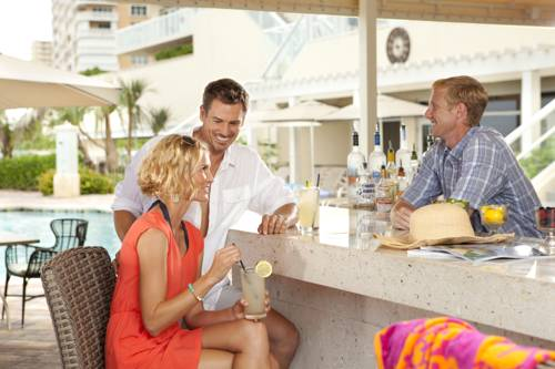 fort-lauderdale-marriott-pompano-beach-resort-spa-pool-bar1