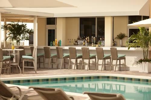 fort-lauderdale-marriott-pompano-beach-resort-spa-pool-side-bar