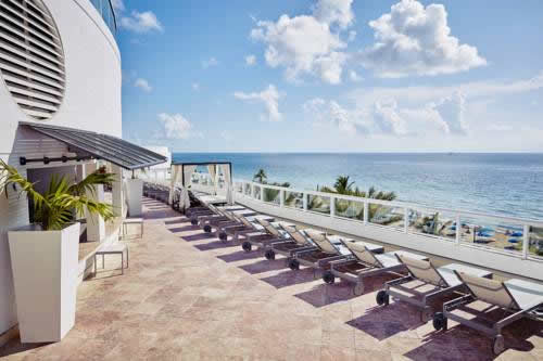 hilton-fort-lauderdale-beach-resort-beachfront-sun-deck