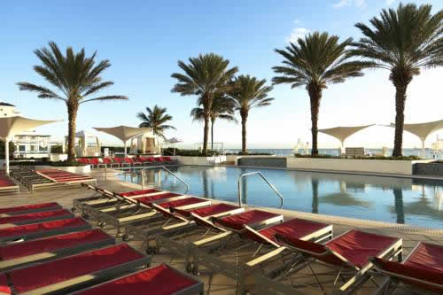 hilton-fort-lauderdale-beach-resort-oceanfront-pool