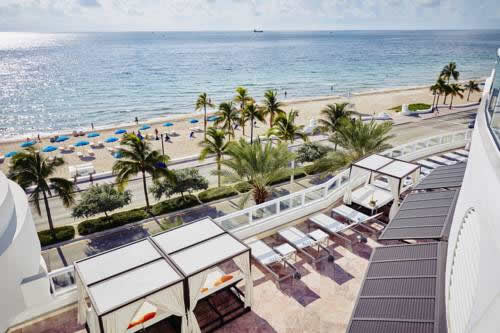 hilton-fort-lauderdale-beach-resort-oceanfront-sun-deck