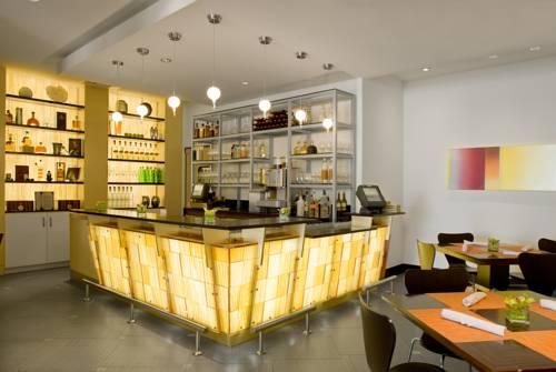 hilton-fort-lauderdale-marina-bar