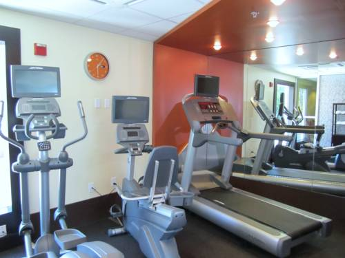 holiday-inn-express-ft-lauderdale-convention-center-gym
