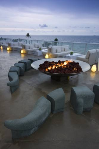 w-hotel-fort-lauderdale-beachfront-fire-pit