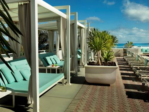 westin-beach-resort-fort-lauderdale-beach-oceanfront-pool-deck